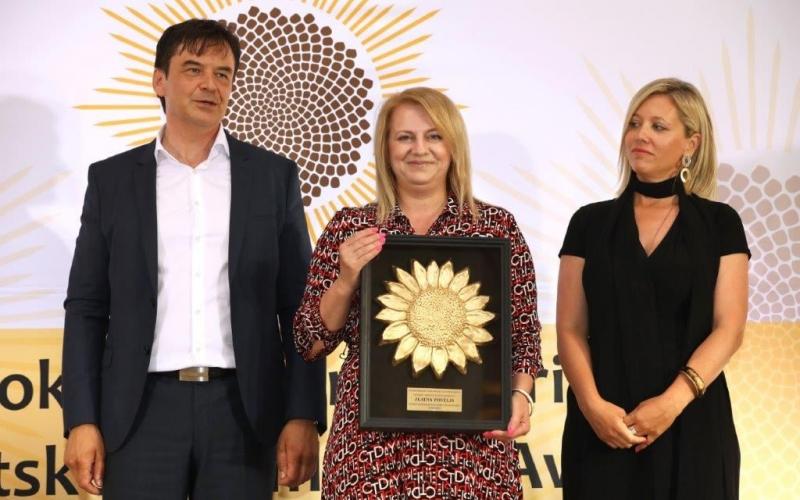 """Izletištu """"Vinogradarska kuća Braje"""" dodjeljena nagrada  """"Suncokret ruralnog turizma Hrvatske"""""""